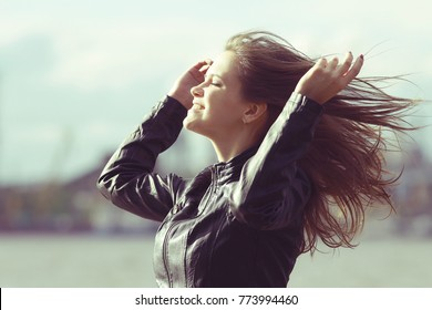 Wind hair hairstyle hair styling girl adult spring