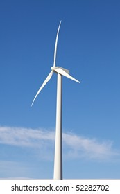 Wind Turbine on Alternative Energy Windmill Farm
