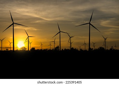Wind turbine power generator with sunset