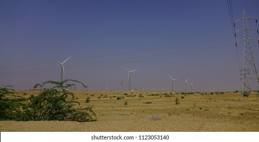 Wind turbine in Thar desert near Jaisalmer, Rajasthan, India.