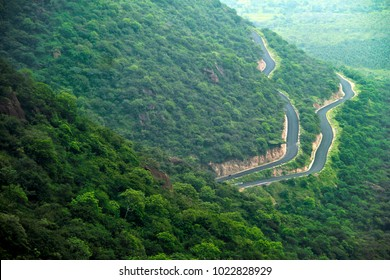 The winding roads to Kodaikanal, Tamilnadu, India
