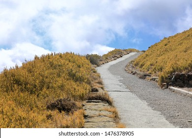 The winding trekking route on the Mount Hehuan (Hehuanshan) that is on the borders of Nantou and Hualien counties within Taroko National Park and is a 3416-metre-high mountain in Central Taiwan.
