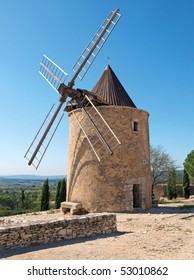 Windmill in St Saturnin, Provence