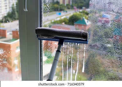 Window cleaning brush for windows washing