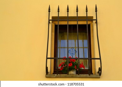 Window with grid