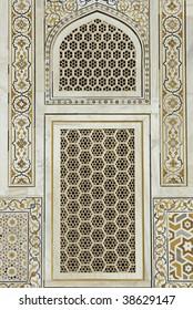 Window of the ornate white marble Mughal tomb (Itimad-ud-Daulah). 17th Century AD. Agra Uttar Pradesh India