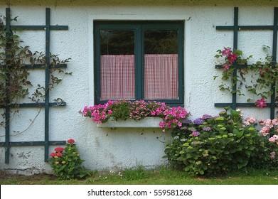 window retro style nostalgy romantic