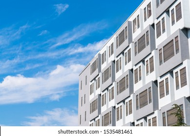 The Windows of the modern high-rise structure design