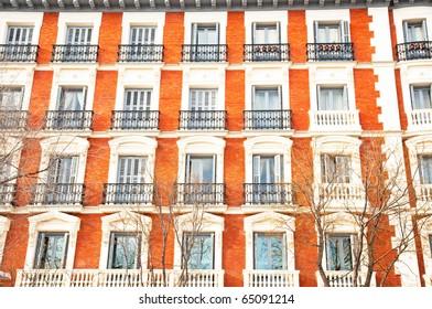Windows in Spain, Madrid