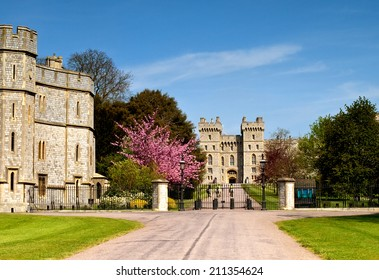 Windsor - The Long Walk in Spring, UK