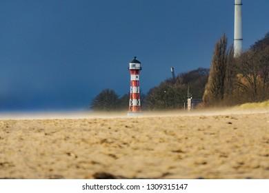 windy day on the beach, hamburg elbe