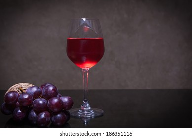 Wine grapes and grapes