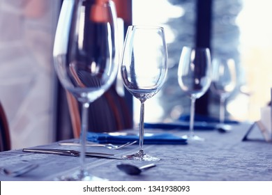 wine restaurant serving romance / beautiful concept alcohol glass, holiday dinner in a cafe