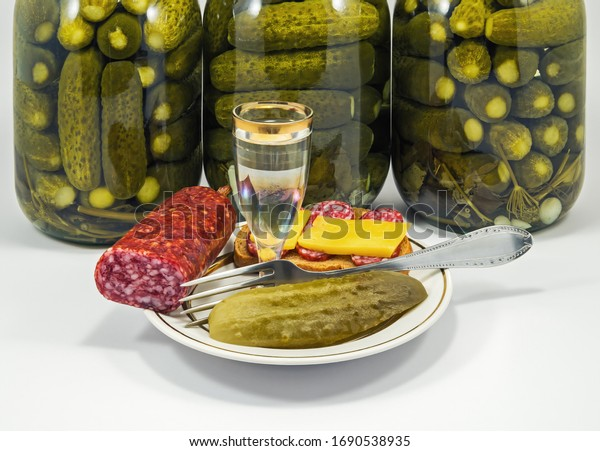 wineglass-vodka-snack-brown-bread-600w-1