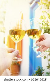 Wineglasses in the hand