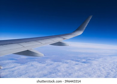 Wing aircraft in altitude during flight, Boeing 737-800.