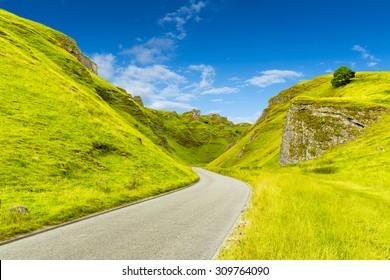 Winnats Pass, Peak District National Park, Derbyshire, England, UK