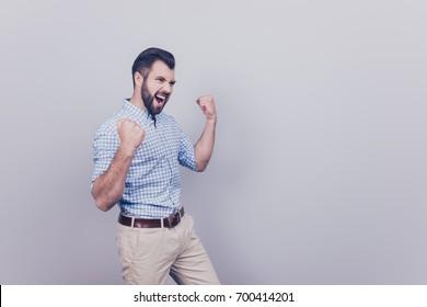 bearded brunet sucks