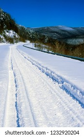 Winter along the Highland Scenic Highway, Route 150, National Scenic Byway, Pocahontas County, West Virginia, USA