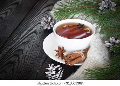Winter black tea with spices - cinnamon, cloves and lemon.