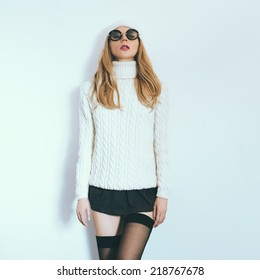Winter fashion style glamor girl
