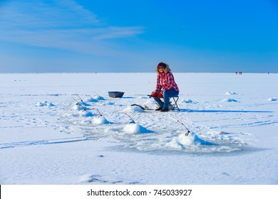 Winter fishing in the Gulf of Finland