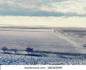 Winterlandschaft in Österreich bei Sonnenuntergang