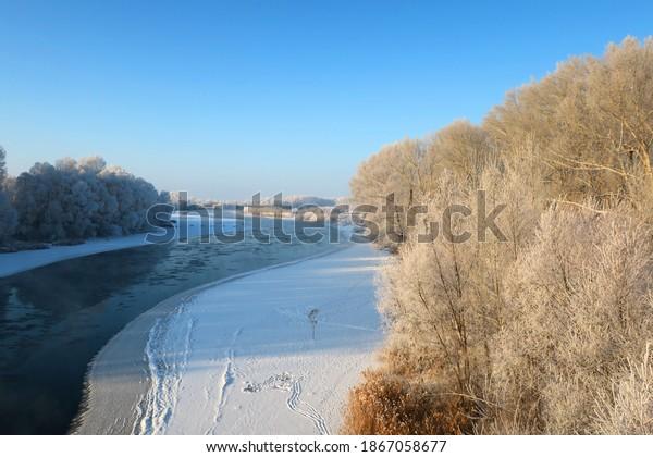 winter-landscape-river-trees-frost-600w-