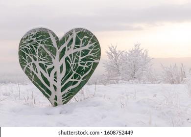 winter-landscape-stylized-green-heart-26