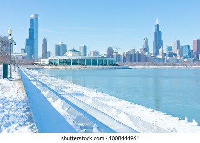 Winter panorama of Chicago downtown by the lake