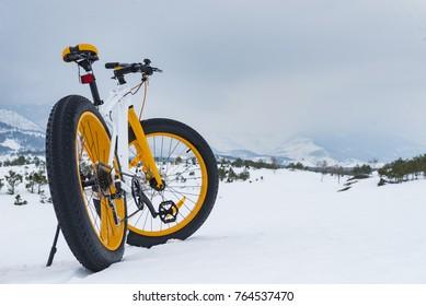 winter season cycling & fat bike