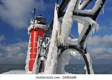 Winter, South Haven Lighthouse, Lake Michigan, Michigan, USA