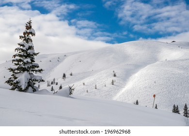A winter view of the snow-covered Dobratsch in Carinthia