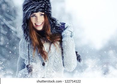 WInter woman portrait outdoor