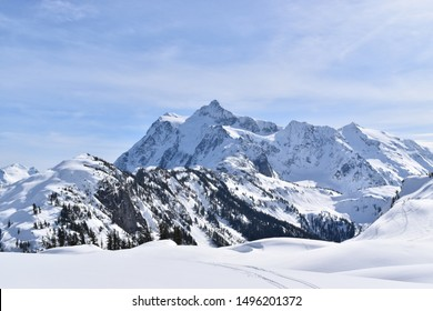 Wintery snow covered mountains in the North Cascade mountain range