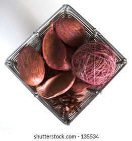 Wire basket with potpourri