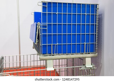 The wire mesh pallet ; multi purpose package
