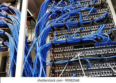 Wires of internet router connectors, Network Server