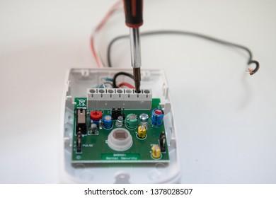 Wiring pir detector. detector electronics