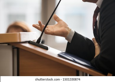 witness testifies in a Russian court