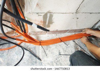 The wizard performs the laying of electrical cables to the electric shield.