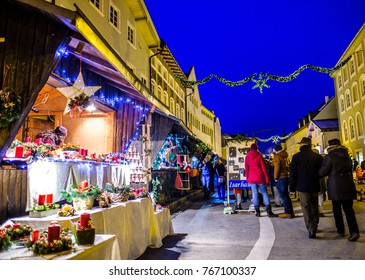 WOLFRATSHAUSEN, GERMANY - DECEMBER 2: people at the famous christmas market on December 2, 2017 in Wolfratshausen, Germany