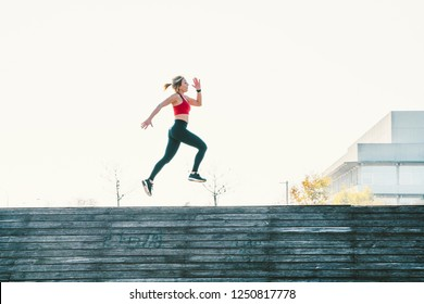 Woman of 45 year old, training in the outdoor
