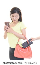Woman to be stolen wallet