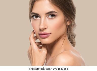 Weibliche schöne Gesicht gesunde Haut Pflege natürliche Schönheit Jungmodell