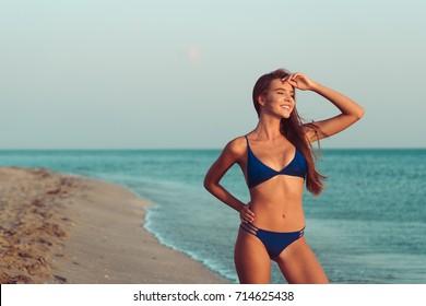 Orite chicks in bikinis