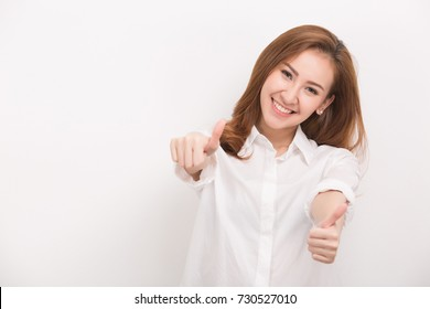 woman in blank white t-shirt showing thumbs up
