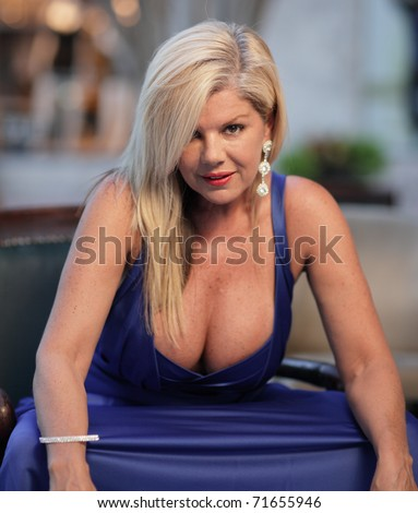 Mature sexy cleavage