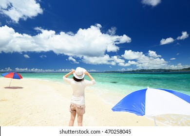 Woman enjoy the sun.