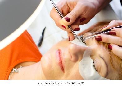 woman eyelash extension